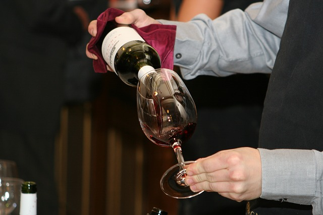 51e8d34a4951b108f5d08460962d317f153fc3e45657774c76297dd09f 640 - Take A Look At These Great Wine Tips
